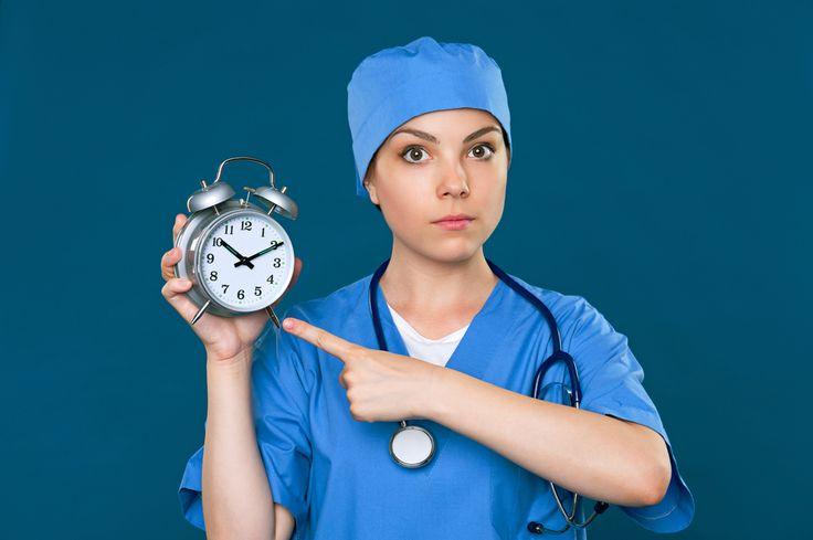 Il medico e l'infermiere reperibili nei giorni festivi, hanno diritto al risarcimento del danno non patrimoniale per mancato godimento del riposo settimanale