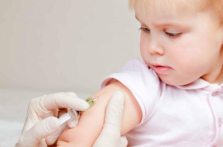 Vaccini: prime sanzioni contro i medici dalla Fnomceo
