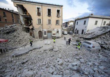 """Tesi """"Maxiemergenza: Terremoto. Organizzazione sanitaria dei soccorsi e continuità assistenziale"""""""