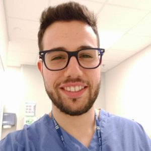 Flavio Decicco, infermiere italiano, con incarico lavorativo in UK.