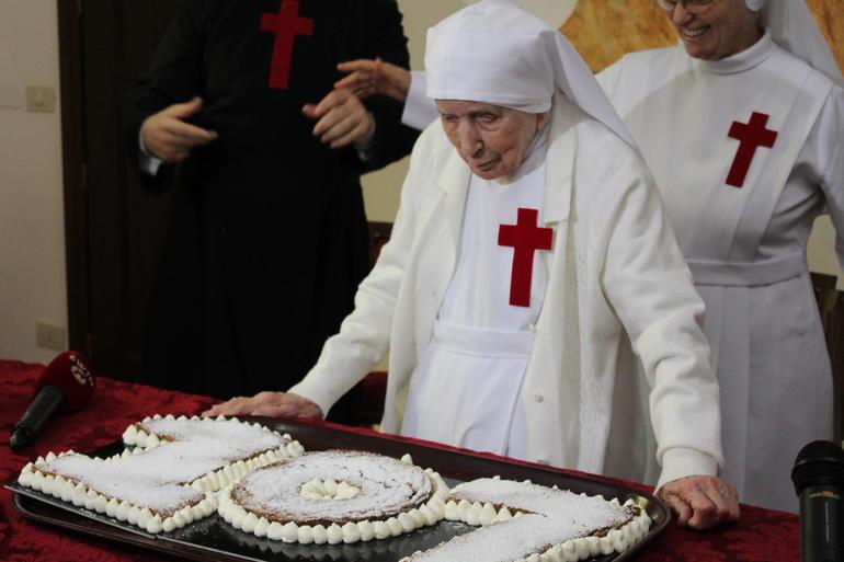 Suor Candida Bellotti da record: compie 110 anni, ha visto 10 Papi