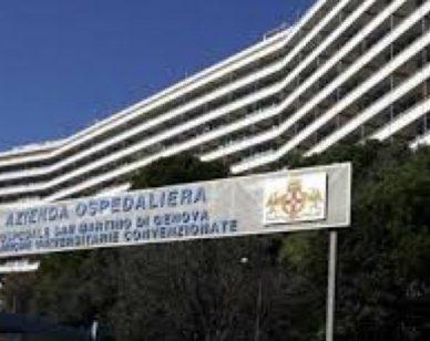 Ospedali genovesi nel caos: mancano i posti letto, ricoveri bloccati 2