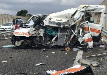 Tragico schianto tra Tir e Ambulanza: morti sul colpo autista e paziente, gravissima Infermiera