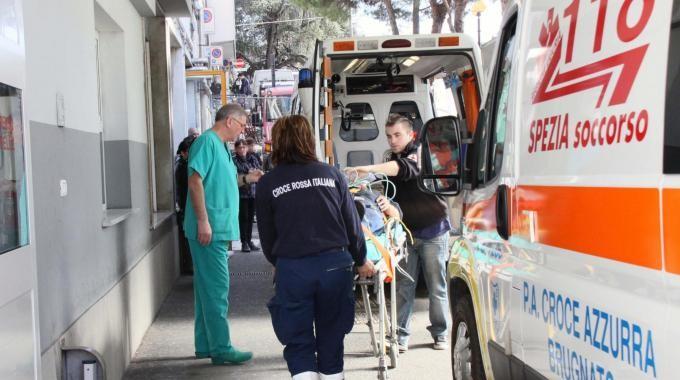 """La Spezia. Codici bianchi ai medici di famiglia, nasce l'Infermiere di accoglienza per """"accudire i pazienti in attesa"""""""