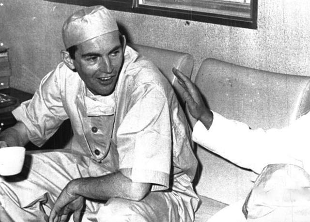 Cinquant'anni fa Barnard completava con successo il primo trapianto di cuore 1
