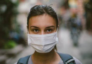 Indossare una mascherina chirurgica può aiutare a prevenire l'influenza? 2
