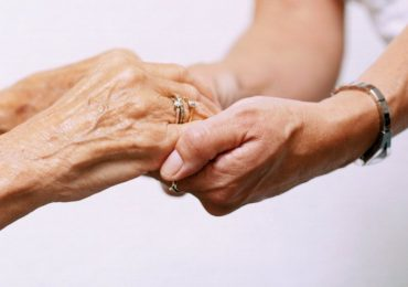 Assistenza geriatrica, via libera del Garante privacy al dispositivo per controllare pazienti non autosufficienti
