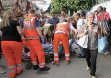 Medico, infermiera e autista del 118 insultati e malmenati: costretti a fuggire per evitare il linciaggio della folla 1