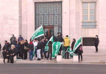 Bari, centinaia di precari della sanità alla manifestazione organizzata dalla Fials