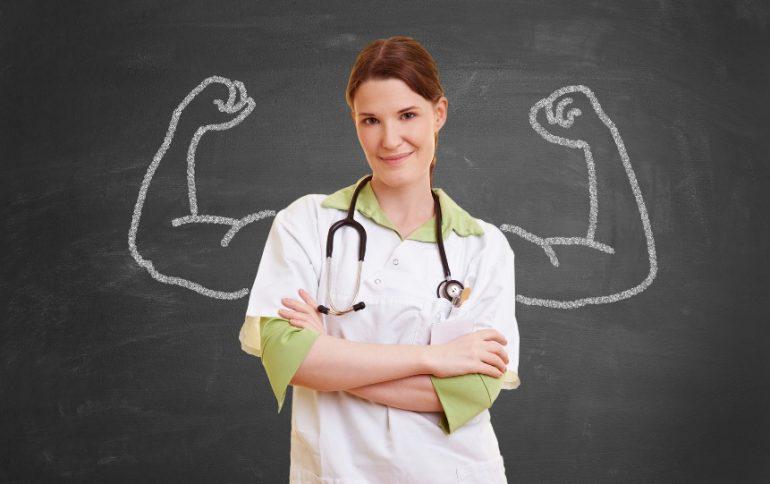 La salute delle donne e il ruolo dei professionisti sanitari: infermieri e ostetriche