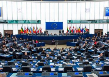 Lotta alla precarietà e all'abuso di contratti a tempo determinato, ecco la risoluzione dell'Europarlamento: c'è anche il caso della Asl Taranto