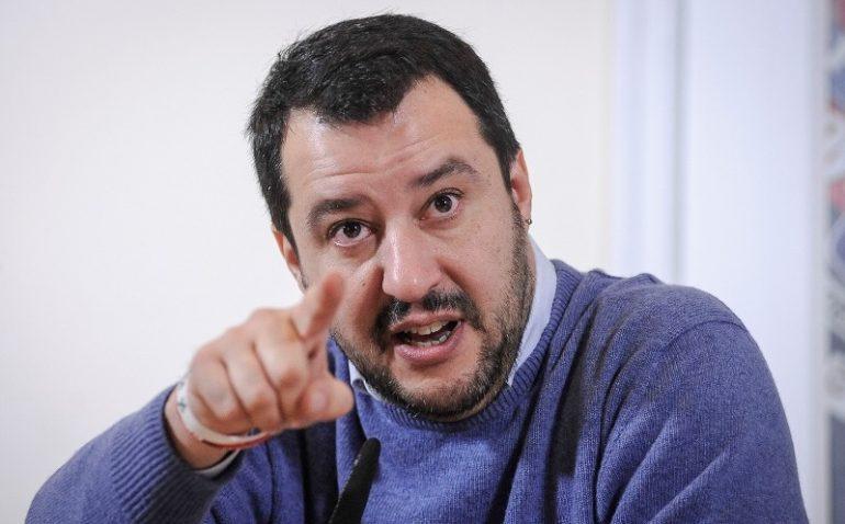 Disturbi mentali, botta e risposta tra Salvini e società professionali