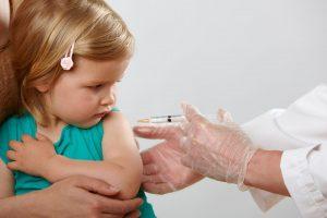 Iscrizione al prossimo anno scolastico: i genitori potranno autocertificare le vaccinazioni dei figli