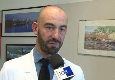 Vaccini, minacce e insulti contro l'infettivologo Bassetti