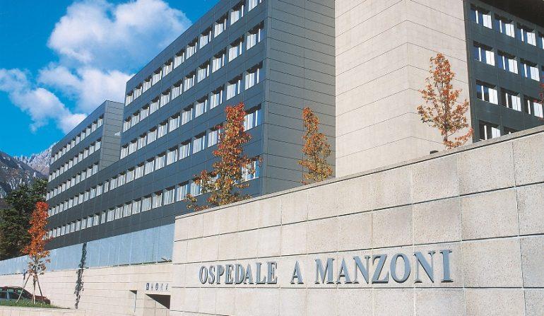 """Lecco, fa discutere la sala fumatori per medici nel blocco operatorio del """"Manzoni"""""""
