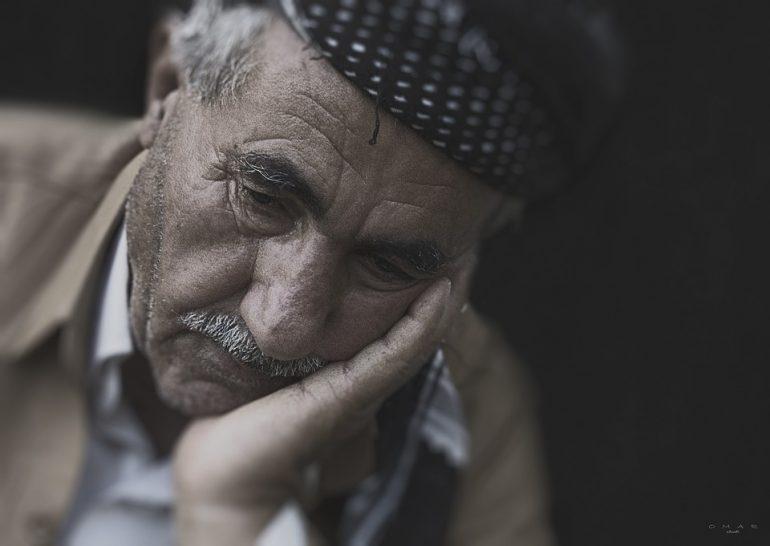 Padova, false infermiere derubano anziano