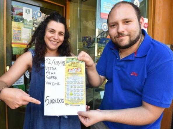 """Vince 5 milioni di euro al """"Gratta&Vinci"""", dona gran parte della vincita per realizzare una struttura per disabili"""