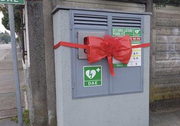 24 infermieri stabilizzati donano all'Irccs-Piemonte un defibrillatore per ringraziare