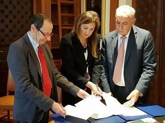 Accordo Infermieri CSM-CNF e Ostetriche CSM-CNF: scopriamo le differenze