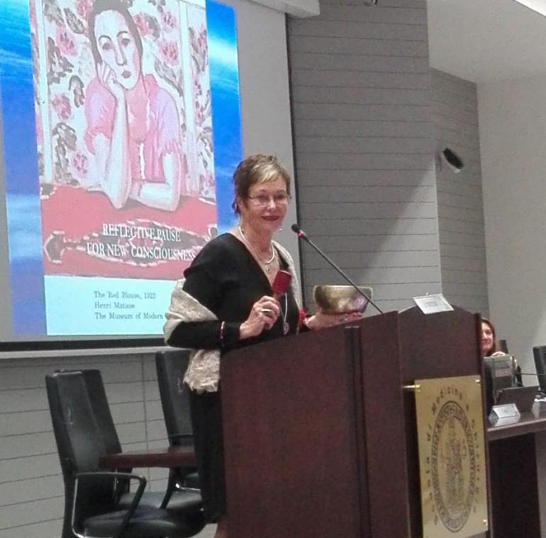 Jean Watson teorica dello Human Caring al workshop di Napoli