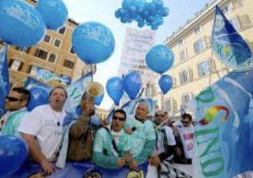 Pagati € 10 lordi/ora e con contratti umilianti: gli infermieri siciliani dicono basta