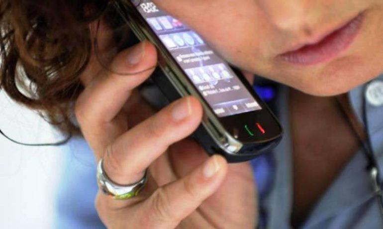 Telefonini e tumori, nessuna evidenza chiara sul rapporto di causa-effetto