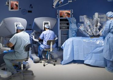 Ingerisce accidentalmente soda caustica: esofago di un bimbo ricostruito grazie alla chirurgia robotica