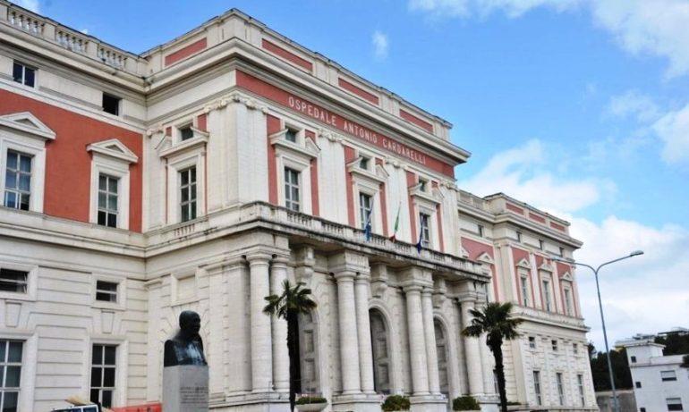 """Napoli, svolta tecnologica al """"Cardarelli"""": impronte digitali anti-furbetti e prenotazioni tramite app"""