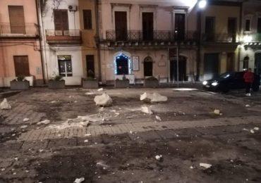 Sicilia, forte scossa di terremoto nella notte: numerosi crolli e dispersi