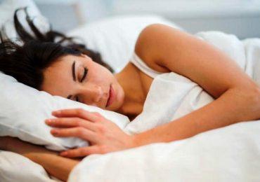 Malattie cardiache, dormire meno di sei ore a notte accresce il rischio