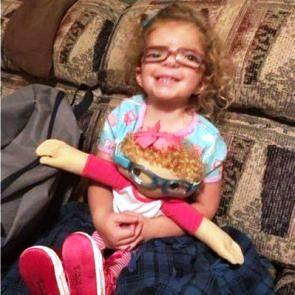 """A Doll Like Me: la bambola che aiuta i bimbi malati ad accettare la loro """"diversità"""" 1"""