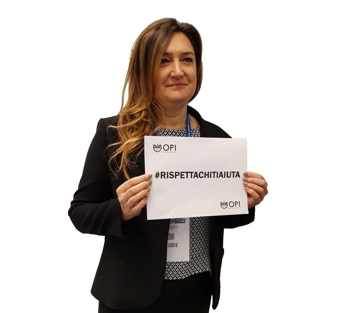 Grande successo per l'hashtag lanciata dagli infermieri di Arezzo #RispettaChiTiAiuta 1