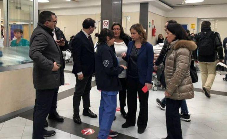 """Napoli, blitz di Giulia Grillo al Cardarelli: """"Si lavora in condizioni disumane"""""""