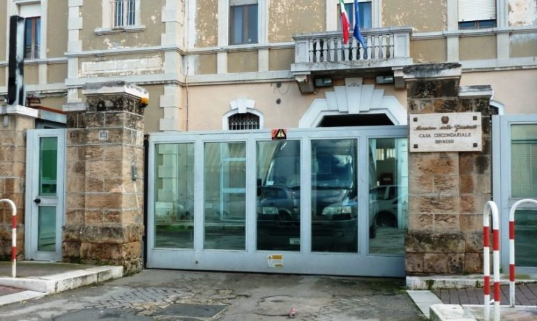 Brindisi, rischio emergenza in carcere: c'è carenza di infermieri e medici