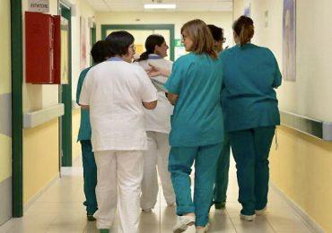 Bologna: negli ospedali pubblici arrivano gli infermieri precari a chiamata, attivati via WhatsApp