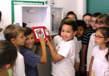 Defibrillatori nelle scuole (e non solo): la proposta di legge presentata da FdI