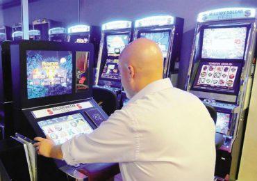 Funzionario del Ministero della Salute arrestato: ha sottratto € 1,4 milioni per giocare alle slot machines