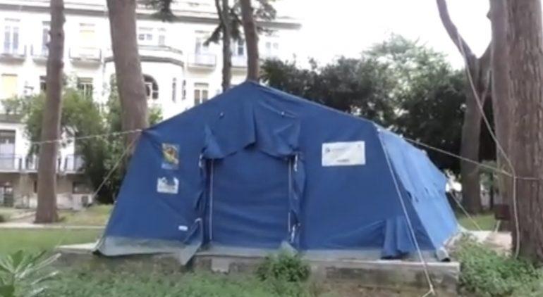 Ospedale Ingrassia, la camera mortuaria trasferita in una tenda in mezzo a una pineta