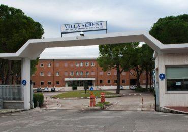 Città Sant'Angelo, incendio a Villa Serena: si segue la pista dolosa