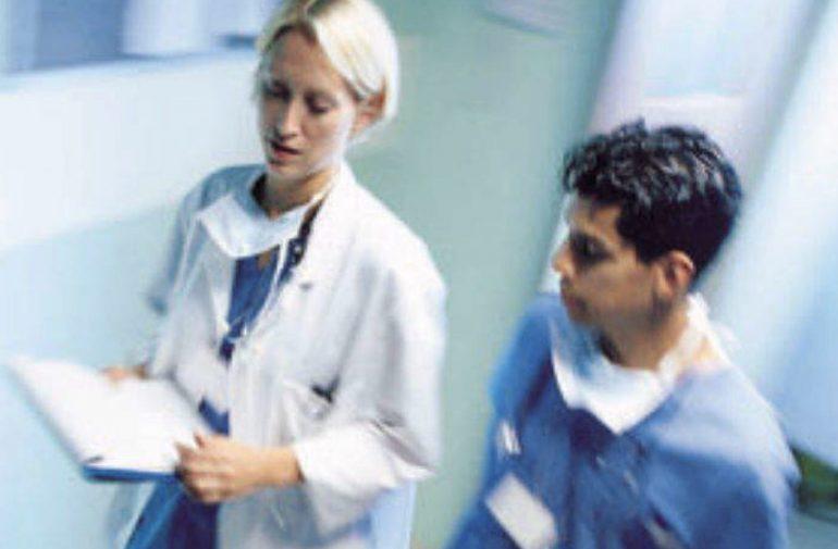 Medici, dentisti, infermieri: ne mancheranno un milione entro il 2020 in Europa 1