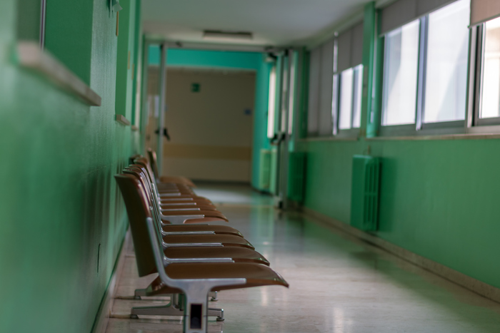 Il Sistema Sanitario Nazionale sta cadendo a pezzi: sottratti 28 miliardi di euro alla sanità pubblica negli ultimi anni