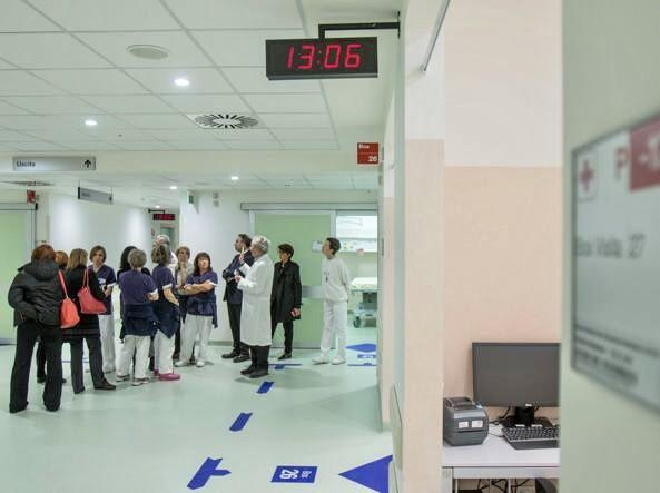 Malmena infermieri e tiene in ostaggio il Triage per 15 minuti: paziente rischia la denuncia