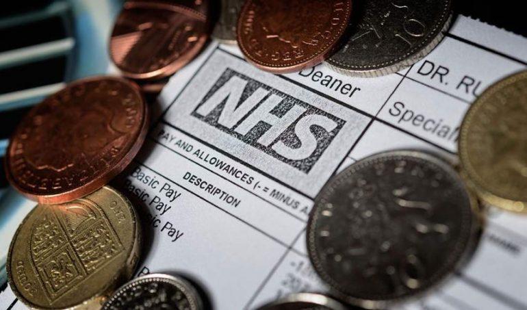 Quanto guadagna un infermiere NHS? Guida (aggiornata) agli stipendi inglesi