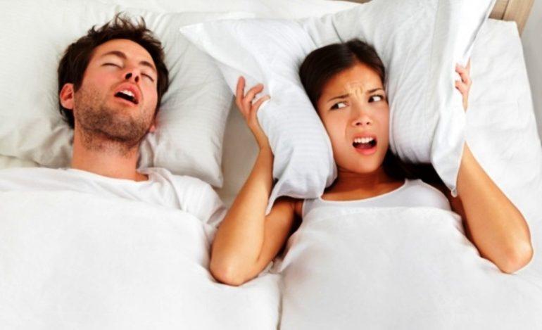 Roncopatia: ecco le app per smettere di russare