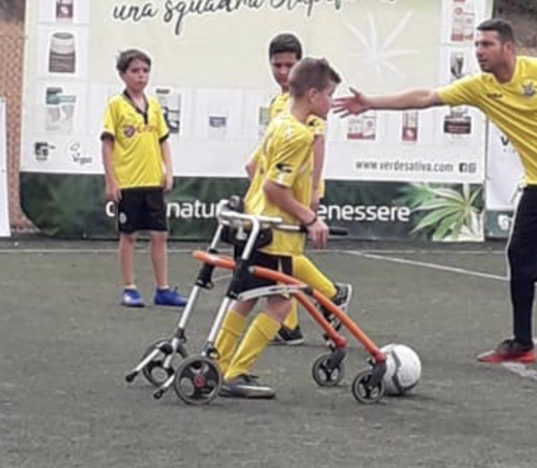 Ho creato una squadra per far giocare a calcio mio figlio affetto da tetraparesi