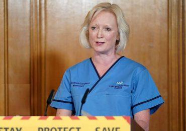 Le vietano di indossare la mascherina: infermiera si dimette da un ospedale di Londra 1