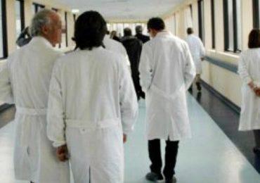 Firmato nuovo contratto medici: aumento medio di € 200 al mese