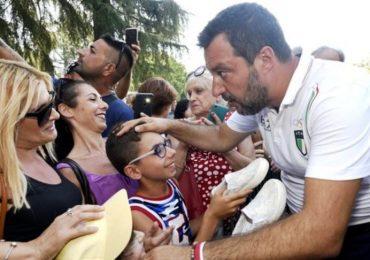 """Salvini sullo scandalo Bibbiano: """"Basta affidi illeciti. Segnalate gli abusi"""""""