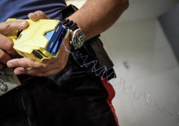 Taser, pistole elettriche e pacemaker: la scarica elettrica è davvero pericolosa per il malintenzionato portatore di un dispositivo impiantato?