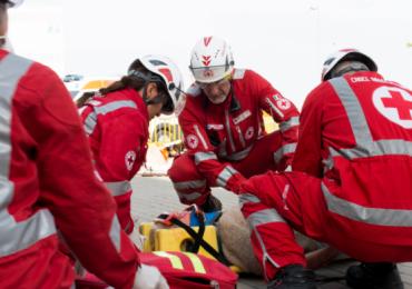 Volontari in ambulanza: ECG a 12 derivazioni e somministrazione farmaci da parte loro non costituisce reato